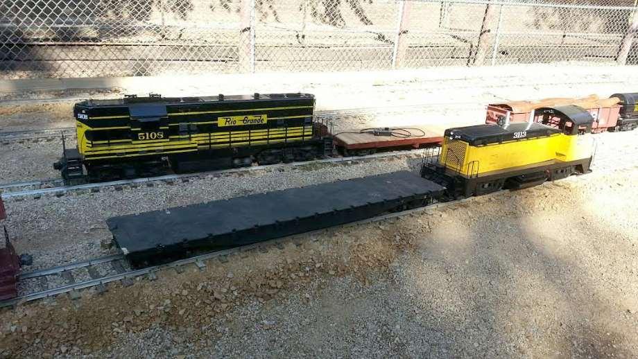 Backyard Train Company | Cool Trains | ToysForBigBoys com